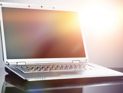 How to Remove the Glare from Your Laptop Screen
